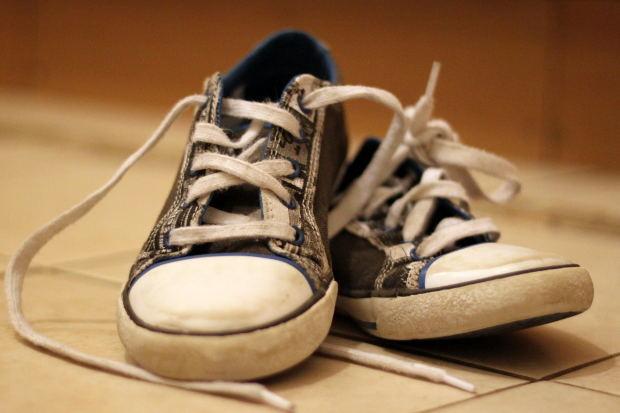 scuff shoes