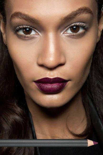 how to make your nose smaller naturally with makeup